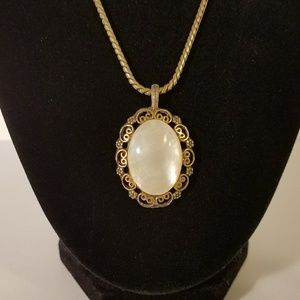 Jewelry - Vintage Filigree Mother of Pearl Pendant Necklace
